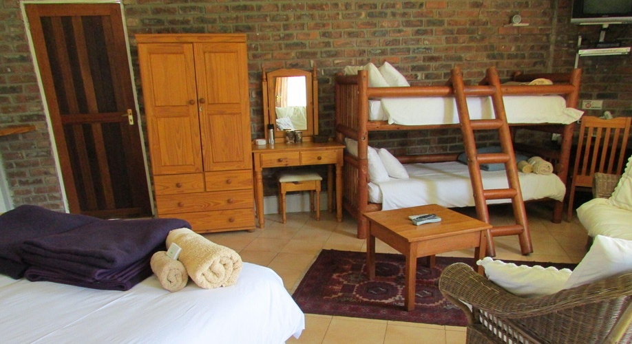Bunk beds in Wickham's Fancy Family Cottage